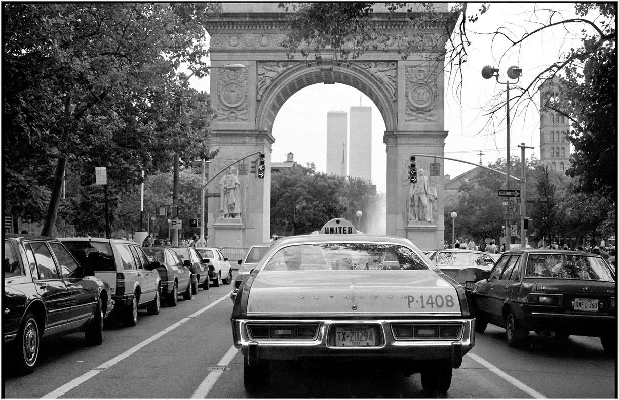 """""""UNITED"""" 1988 – Black and White Street Photographs of New York City by Matt Weber"""