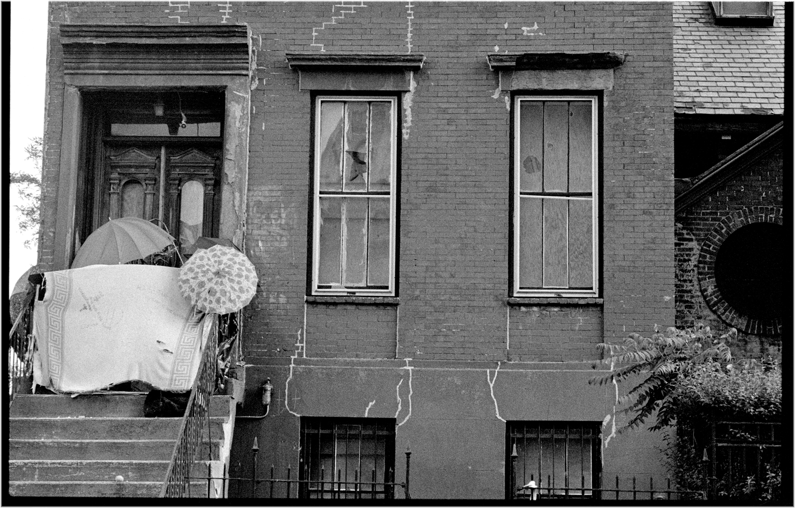 Abandonedbrownstone Umbrellas Harlem 1989 Copy Black And