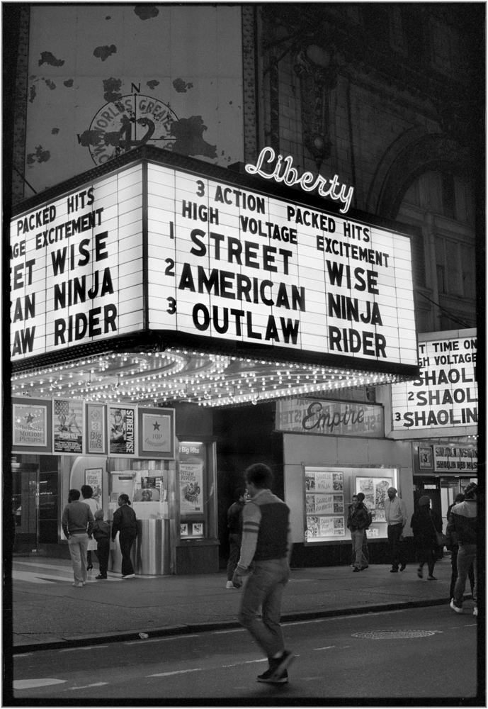 �liberty� times square42d street 1985 � black and white