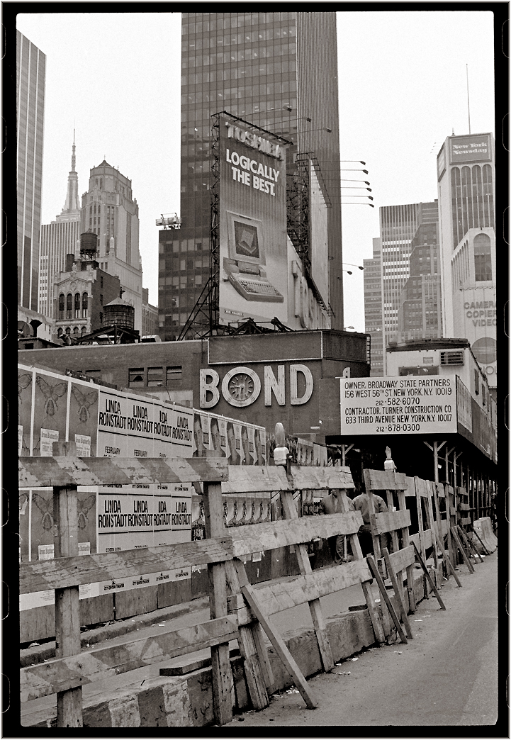 bond-times-square-matt-weber
