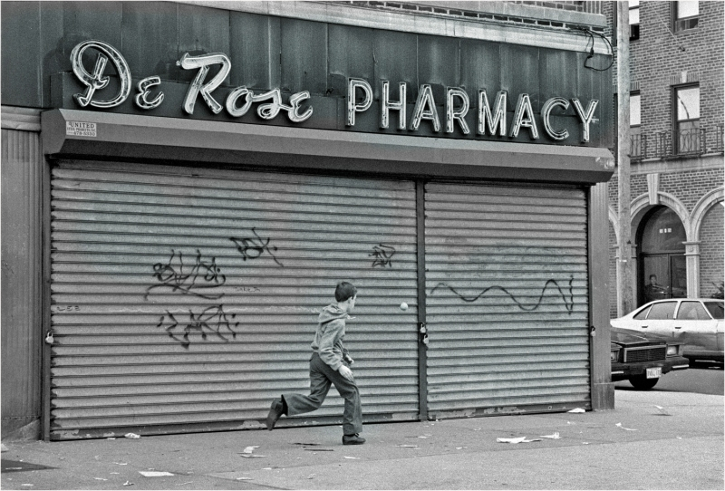 OLd-Storefront-queens-1989