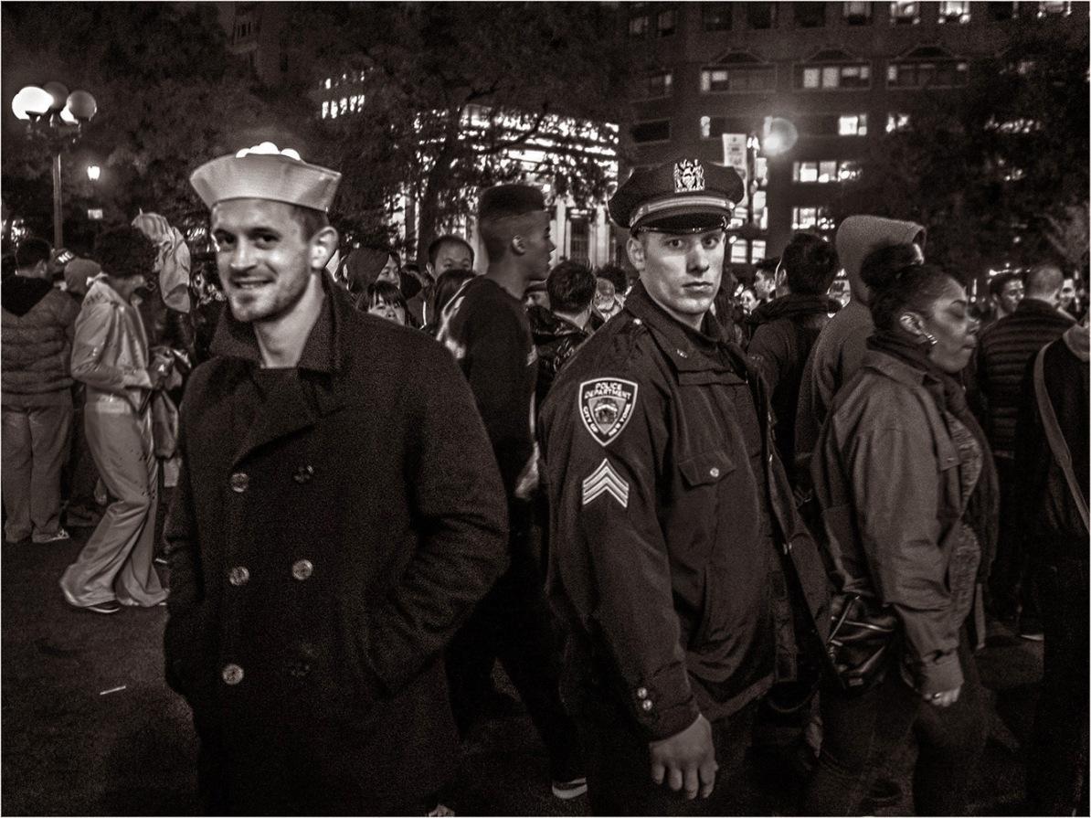 nyc-cop-sailor