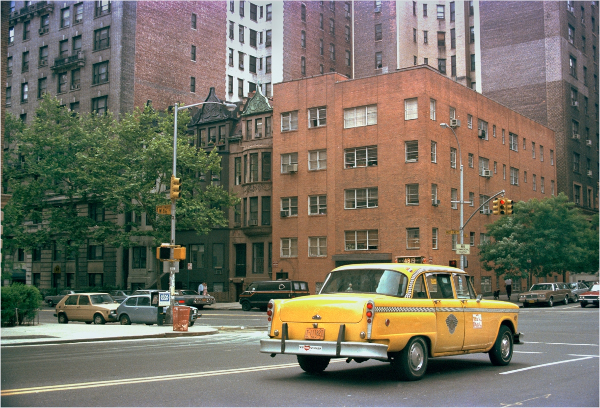 checker-taxi-nyc-1985