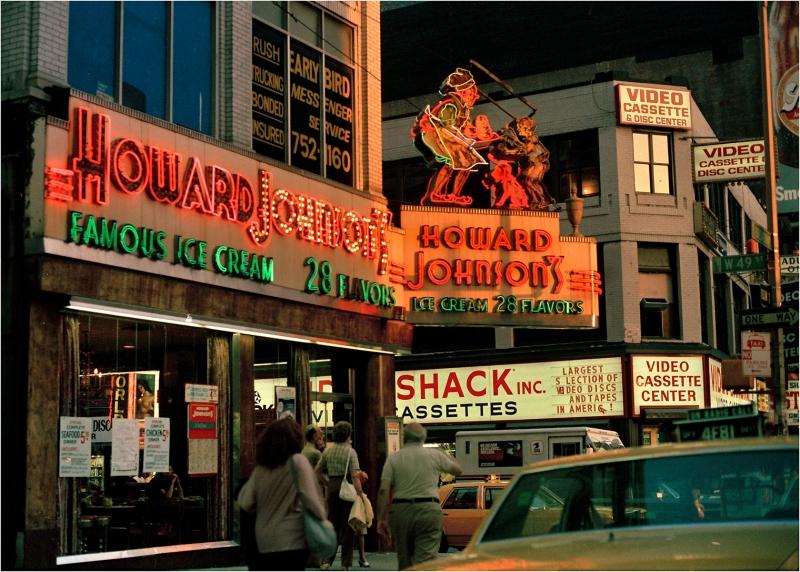 howard-Johnsons-neon-nyc