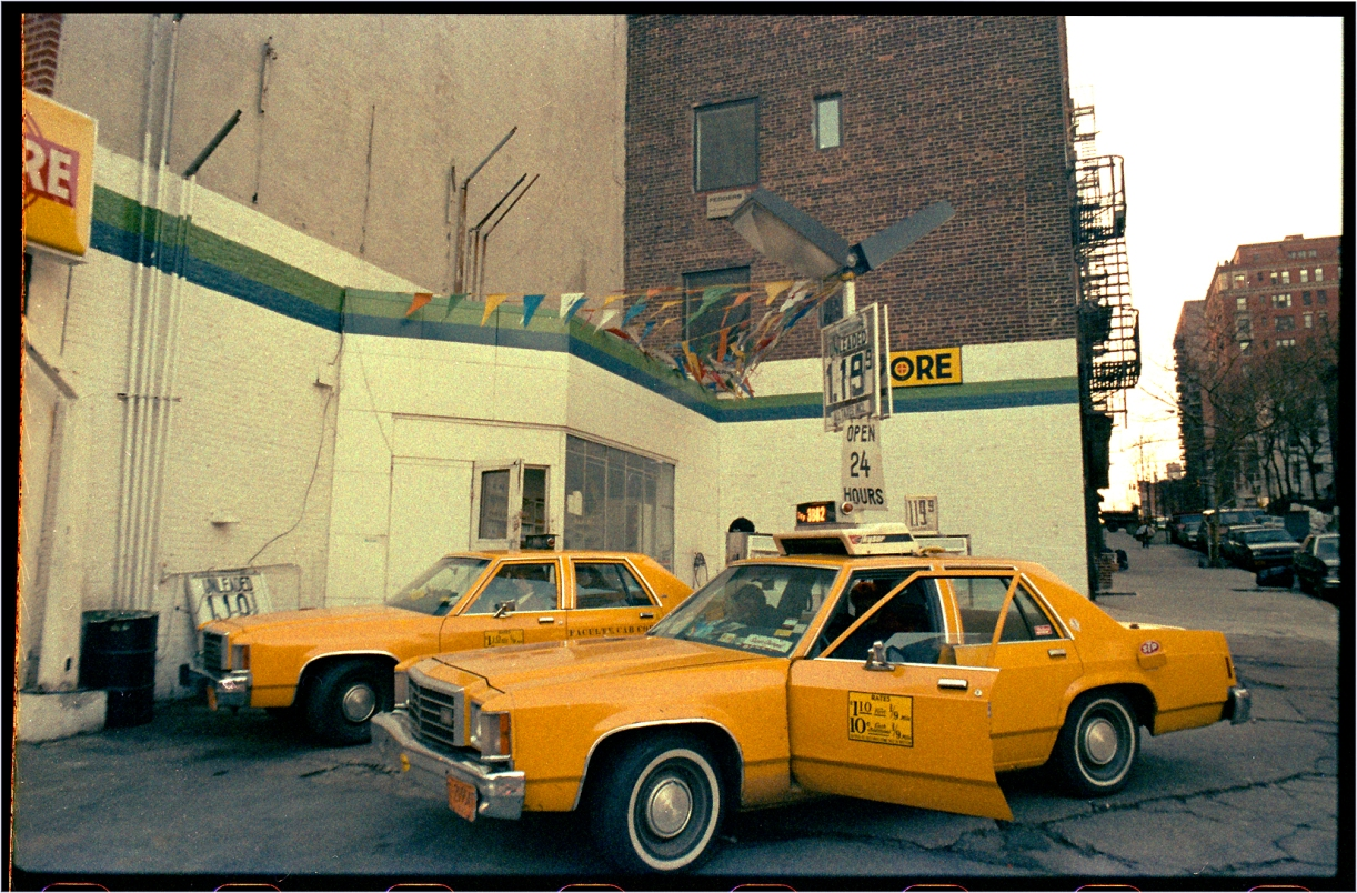 3B82-Taxi-Gas-Sation-94-3d-1985 copy