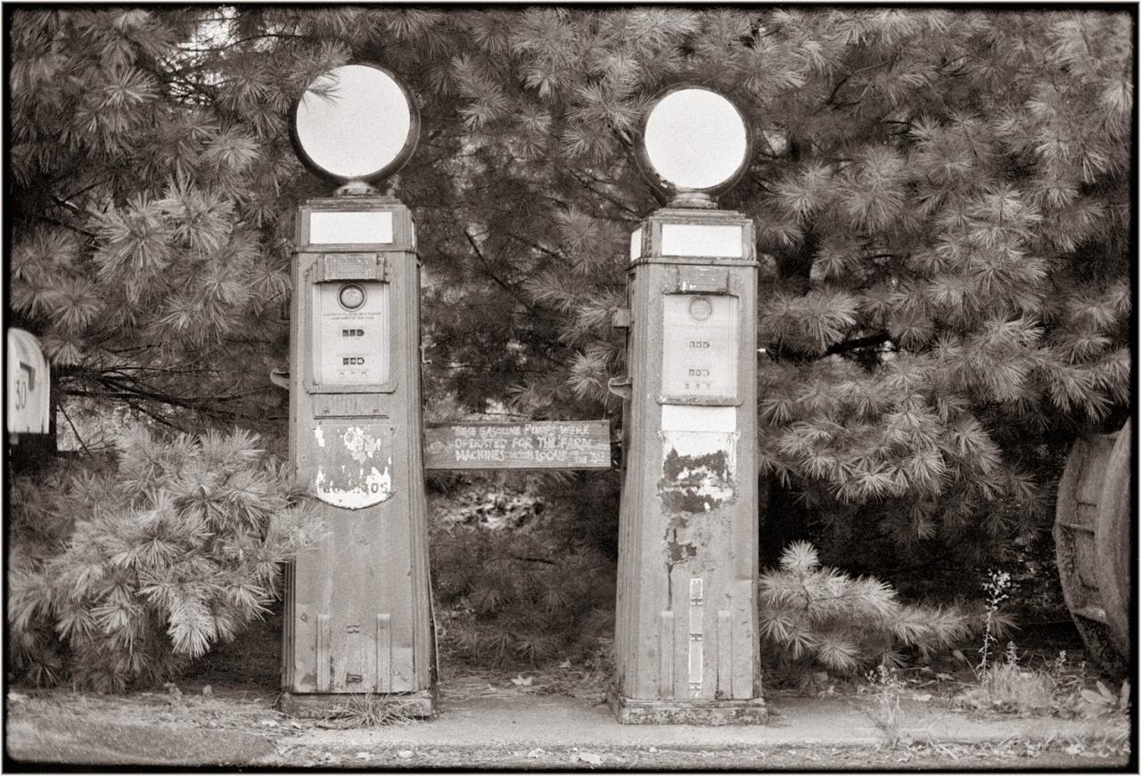 Mobil-Globes-Wilton-1986 copy