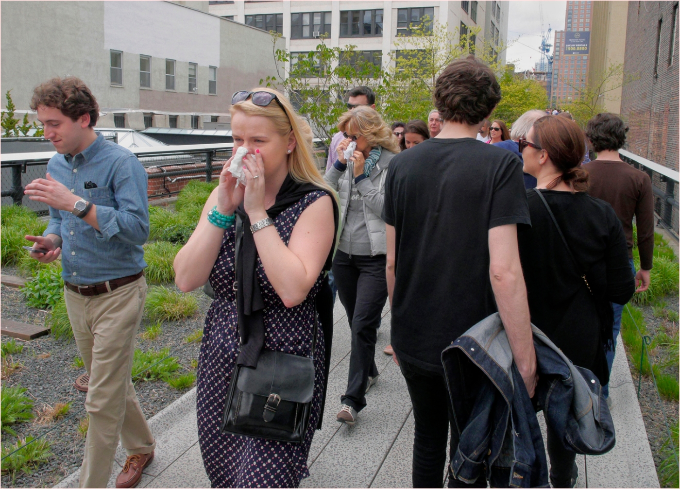 **Double-Nose-Blow-Sneeze-Highline-2014 copy