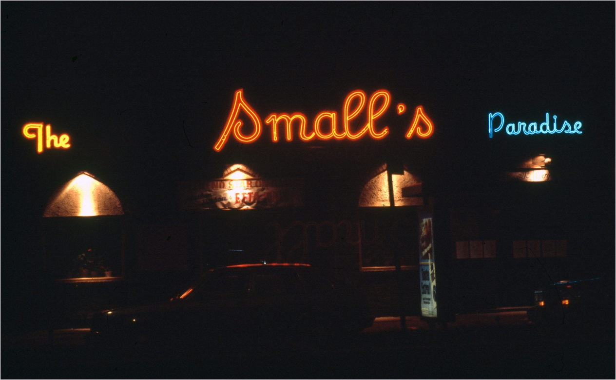 harlem-neon-sign