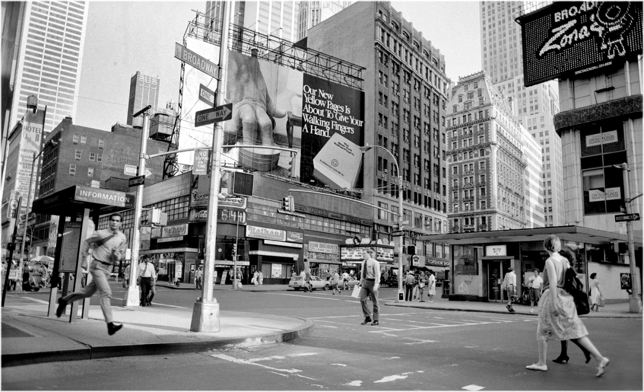 *TimesSq-WideAngle-Runner-1985 copy