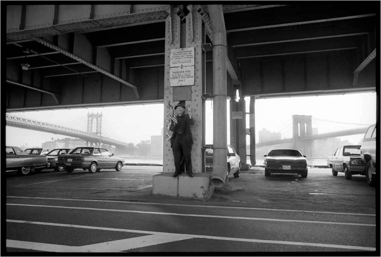 Brooklyn-Man-Bridge-Flag-Man-1991 copy