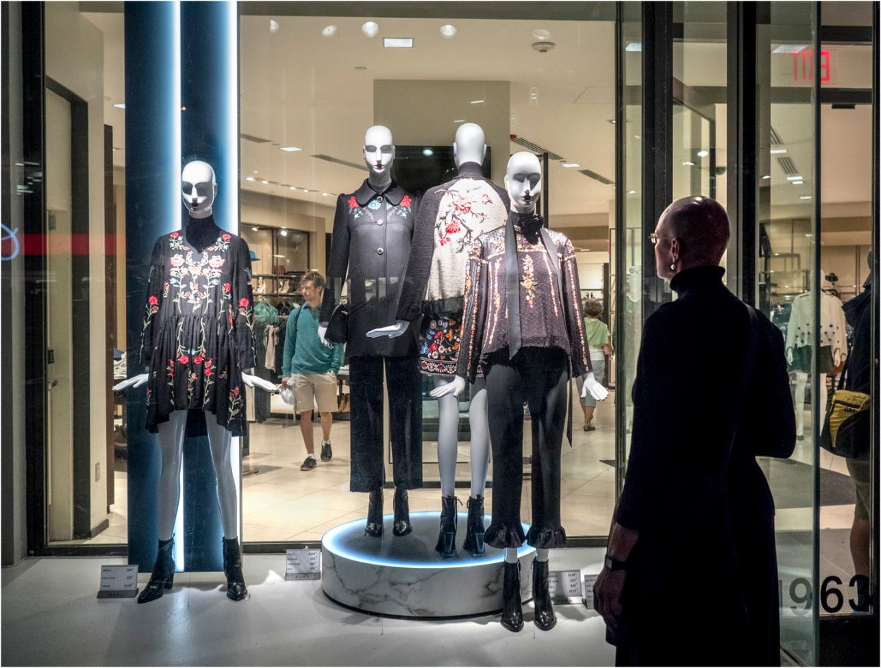 bald-woman-mannequins-2-copy