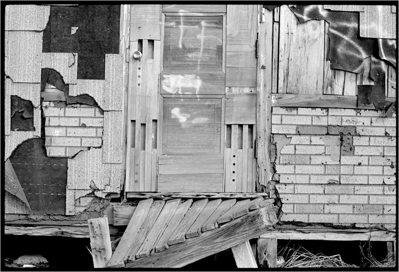 rockaway-crumbling-cabin-1988-copy