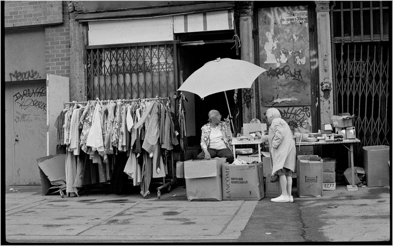 """""""Thrift Store"""" Harlem 1989 – Black and White Street ..."""